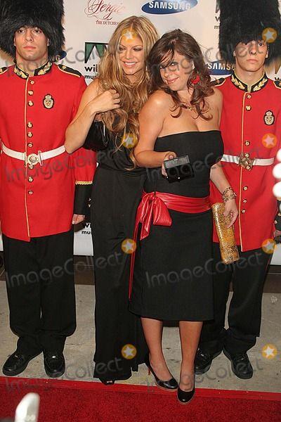 "Fergie of the ""Black Eyed Peas"" Celebrates the Release of Her First Solo Cd ""the Dutchess"" Tenjune-nyc- 09/21/06 Fergie Photo by: John B. Zissel-ipol-Globe Photos, Inc 2006 Dana Ferguson"