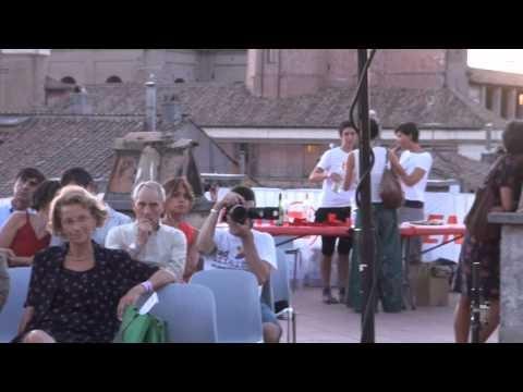 Il concerto di Gianmaria #Testa sui tetti di #Roma per sostenere l'ospedale di #Emergency in #SierraLeone - sostienilo anche tu con una donazione online su http://www.emergency.it/flex/FixedPages/Common/donazioni.php/L/IT/trk/18.28