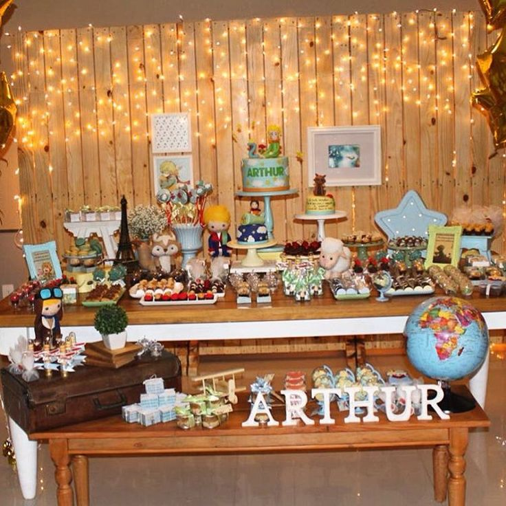 Exupéry ficaria orgulhoso! O pequeno príncipe foi o tema do aniversário do Arthur, e a mamãe ...