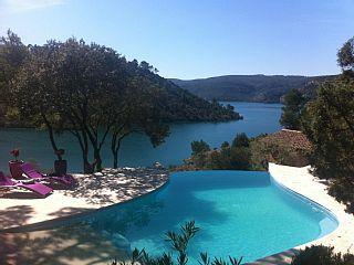 Villa Lourmant, Esparron-de-Verdon: Holiday villa for rent. Read 13 reviews, view 24 photos, book online with traveller protection with the owner - 669929
