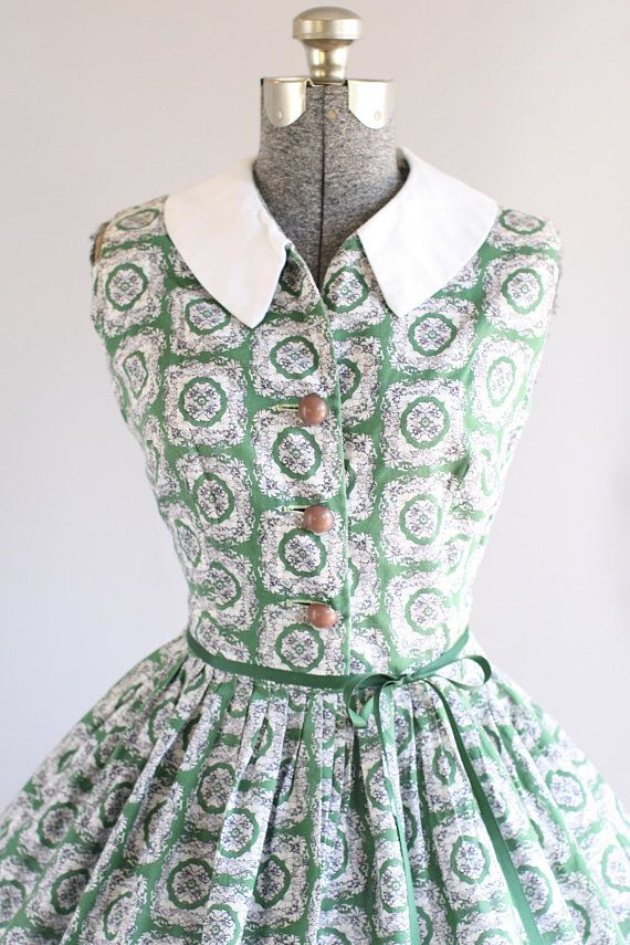 Vintage 1950s Dress 50s Cotton Dress Green And White Floral Dress W White Collar M Vintage 1950s Dresses Classic Dress Dresses