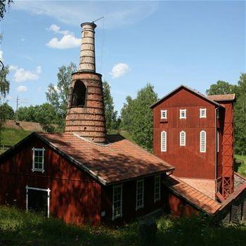 Klenshyttans hytteri med välbevarad industrimasugn, Ludvika