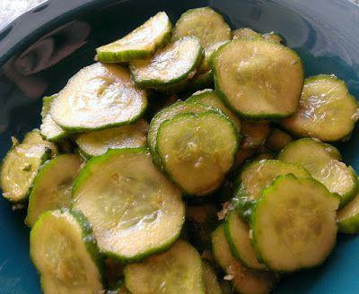 Japońska sałatka z ogórków (Sunomono)