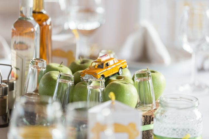 Friends themed wedding centerpiece - apple and yellow cab (from New York City)