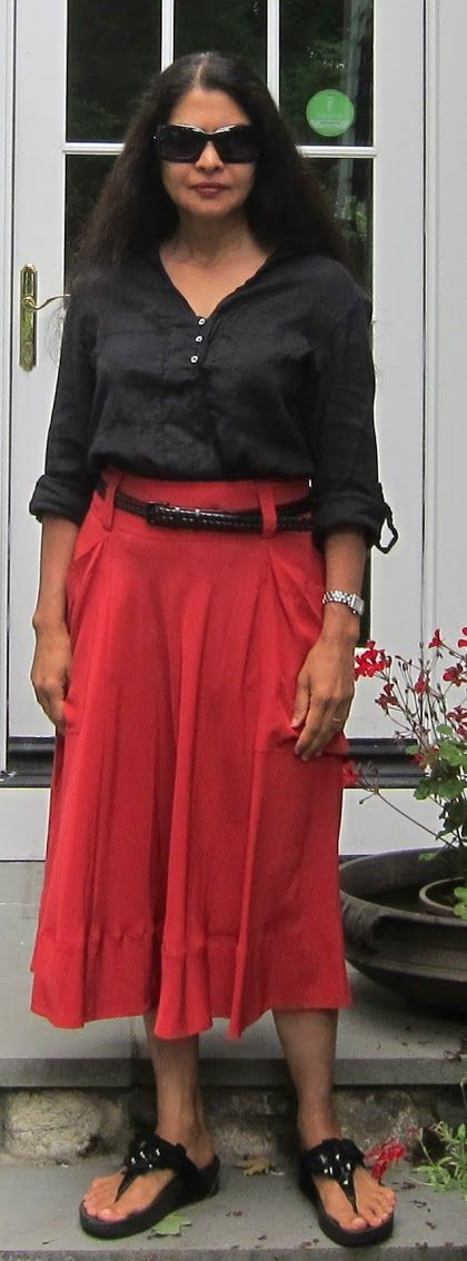 DKNY crepe silk skirt, Zara cotton tunic, Uniqlo braided belt and Fitflops - 2016