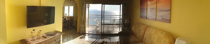 The livingroom is centrally located in the apartment. Access to one of the three balconies with undisturbed seaviews. www.wonderful-calpe.webs.com