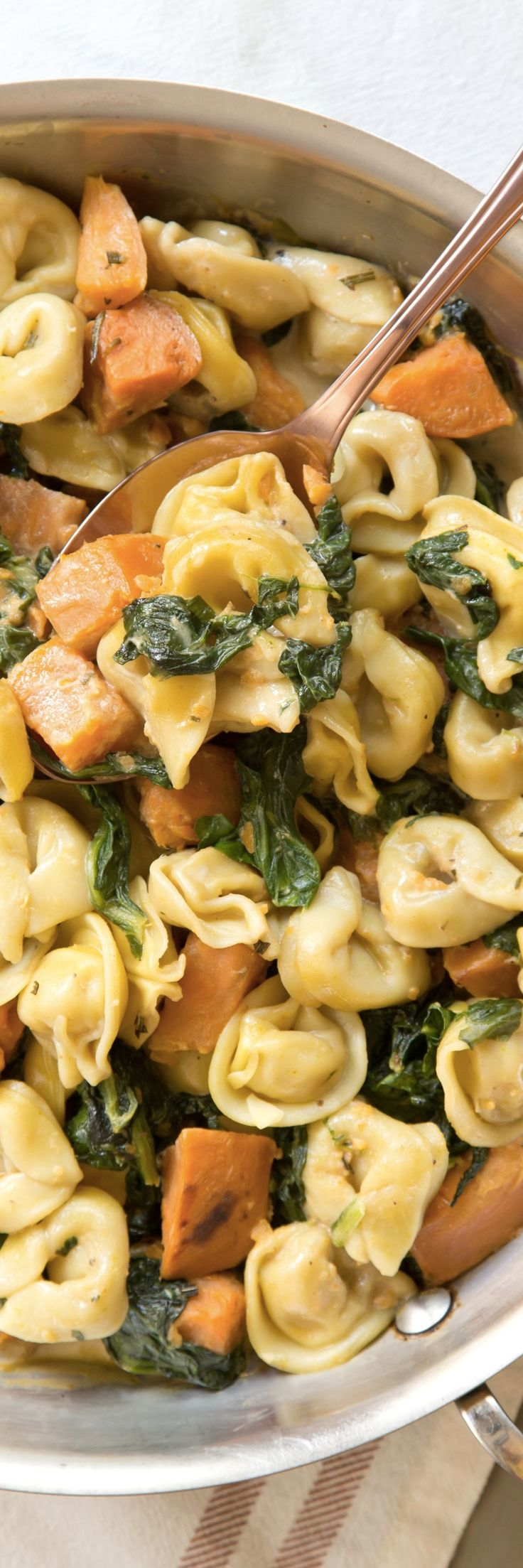 One pot creamy skillet tortellini dinner recipe. One pan pasta recipes are taking the world by storm! This vegetarian dish is a delicious meal to add to your routine of quick and easy weeknight meals!