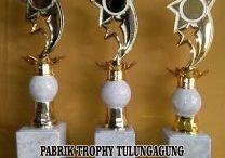Jual Trophy Marmer / Pabrik Trophy menyediakan segala kebutuhan dan  bahan bahan untuk perlengkapan piala dengan bermacam macam model yang tersedia di toko kami Pabrik Trophy harga murah.Melayani pelanggan di seluruh indonesia. / by Ana Pabrik