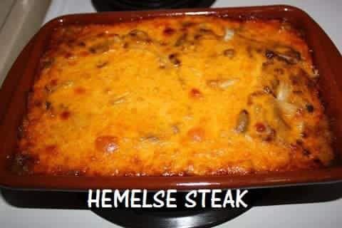 HEMELSE STEAK  1kg tenderised steak (sny in stukke) Meng meel met speserye van jou keuse en rol steak in mengsel Sny 2 uie in dun skywe Sny 1 bakkie mushrooms in skywe Pak lae om die beurt van vleis, uie en mushrooms in 'n oondvaste bak. Meng 200ml melk 250 ml room 1 eetlepel worcestersous 1 eetlepel chutney 1 eetlepel tamatiesous 1 pakkie wit uie sop Meng goed, gooi oor vleis in bak. Strooi 1 kp gerasperde kaas bo-oor en bedek met foelie of maak toe met deksel. Bak vir 60-90 min by 160…
