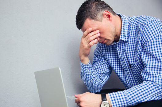 Jak może bronić się kredytobiorca, któremu bank wypowiedział umowę kredytu i dochodzi zapłatyWypowiedzenie umowy kredytu przez bank jest ...
