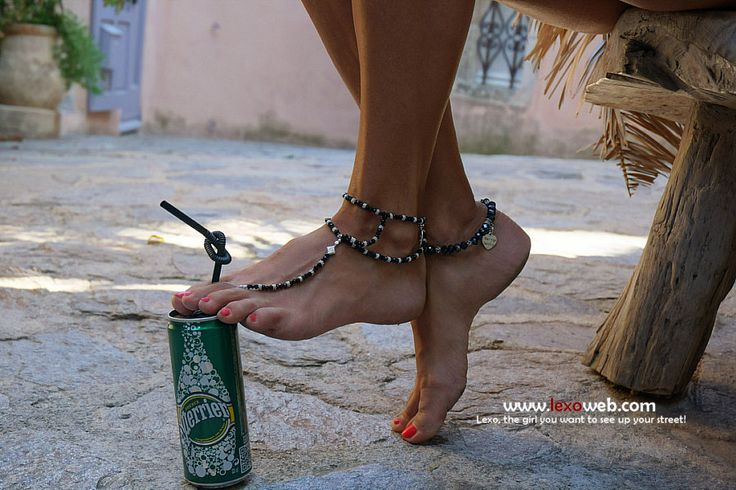 #Barefoot, a Very Normal Day video clip! [http://www.lexoweb.com/picx.htm] Barefoot sandals by @verymicky