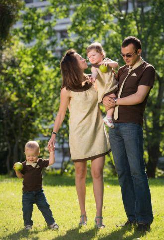 фото фотография Платье для мамы и дочки Vanila  от MONOGAM, для папы и сына одинаковые футболки
