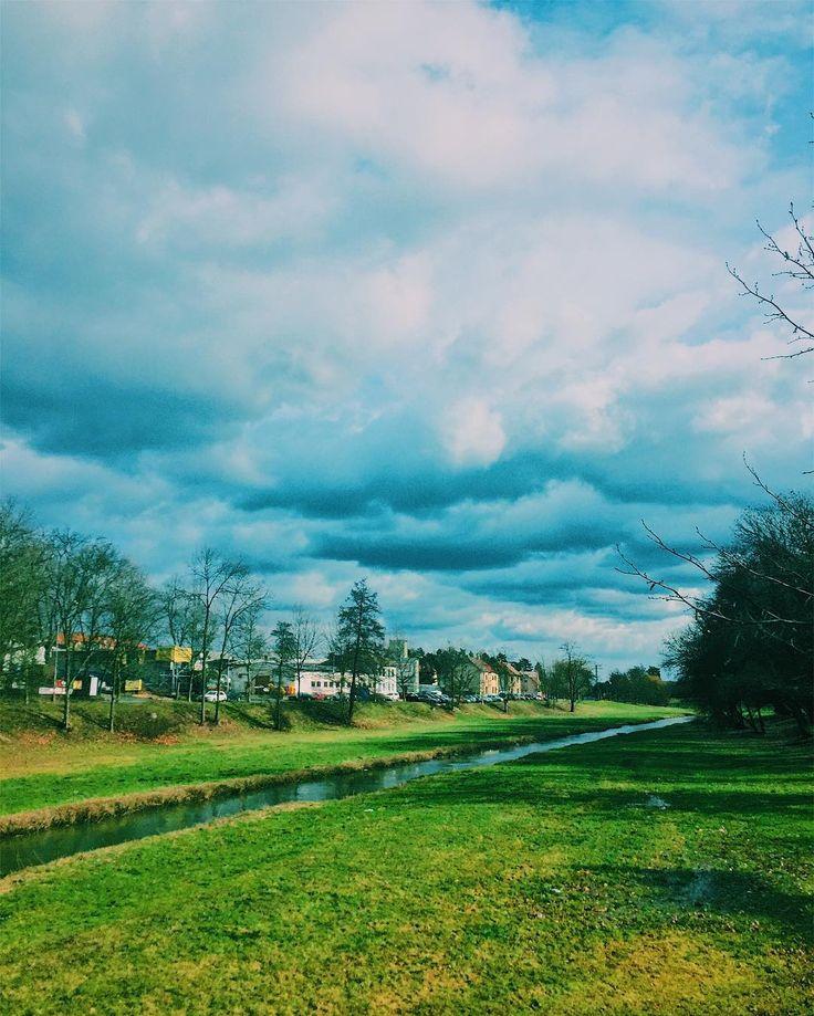 Anyone here wants more cloud photos? Nekdo tady chtel vic fotek mraku?