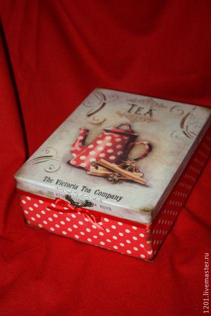 Чайная коробка `Горохи`. Чайная коробка в любимый горошек. Немного состаренная винтажная коробка для чайных пакетиков, украсит Ваше чаепитие.