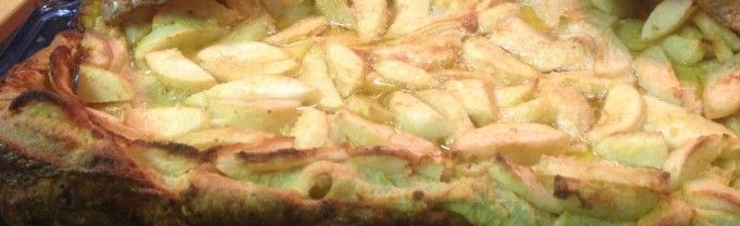 Gluten-free puffed apple pancake - the perfect brunch food.