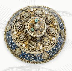 Transylvania (Romania) - Brașov | Heftel; silver, gilding, enamel, turquoise. Ø 11.5 cm | ca. 1590 by Johannes (Hans) Igell I | See similar example at the Museum of Applied Arts, Budapest, Inventory No. 534 929 || 25'000€ ~ sold (May '14) ||  135637197089