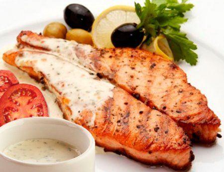 Вкусная красная рыба, запеченная в духовке