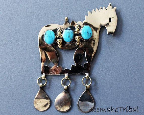 Pferdchenanhänger mit türkisen Steinen, Turkmenischer Anhänger, Pferde-Anhänger, Achal-Tekkiner-Anhänger; 9319.3