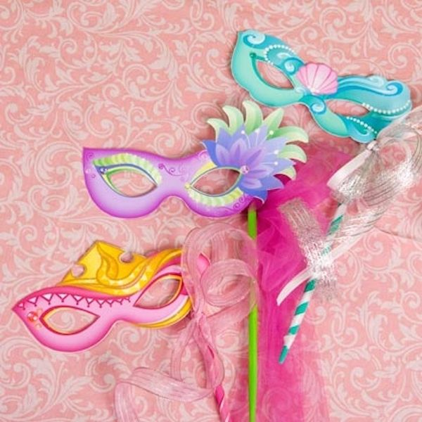Máscaras de Carnaval de princesas http://www.pequeocio.com/princesas-disney-7-mascaras-carnaval-recortables/