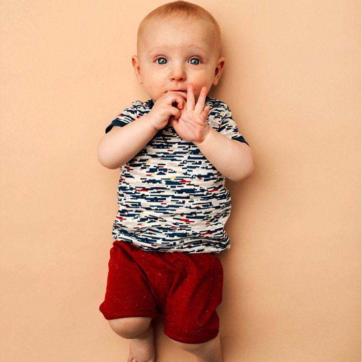 Super zacht baby t-shirt van Kidscase.  http://stoerkids.nl/shop/babykleding/baby-jongens-t-shirt-blake-kidscase/