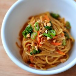 Spicy Peanut Noodles are so easy and SO good - why did I wait so long to make these?