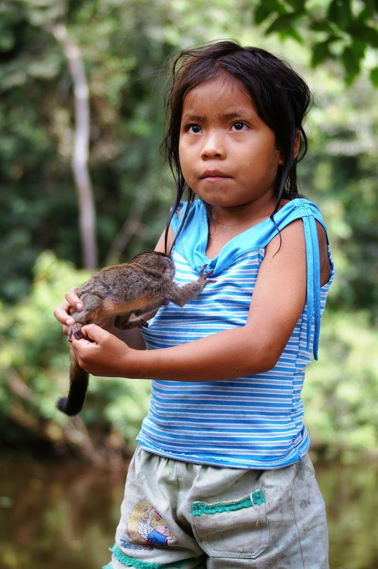 White Wolf : 20 Amazing Pictures Of Rainforest People With Animals