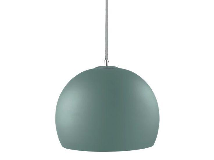 Die Ball Lampe ist ein Klassiker. Durch ihre einfache Form und die vielen Farben und Varianten passt sie in jede Wohnung.