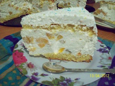 Dea's Cakes: Tort cu nuca de cocos si cocktail de fructe