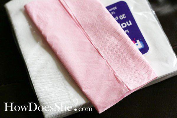 Trop mignonnes ces petites serviettes et super easy à réaliser! Parfaites pour une babyshower, un baptème ou un anniversaire.... C'est parti pour le DIY pliage de serviette robe!