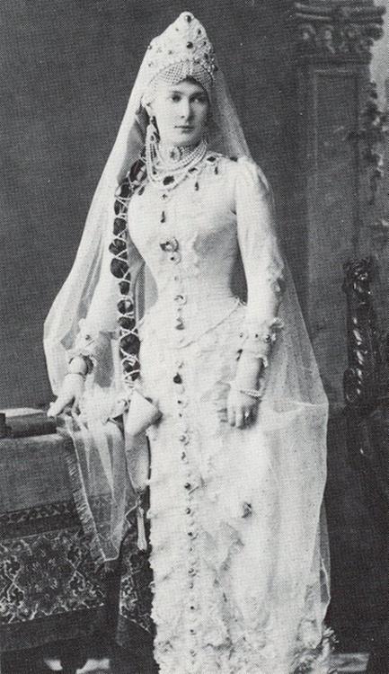 Grand Duchess Maria Pavlovna (Vladimir) in her emeralds
