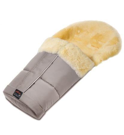 Hartan Меховой конверт в коляску Hartan 828  — 23000р. --------- Детский меховой конверт на ножки из натуральной овчины.Теплый, уютный и стильный - он не даст Вашему малышу замерзнуть.