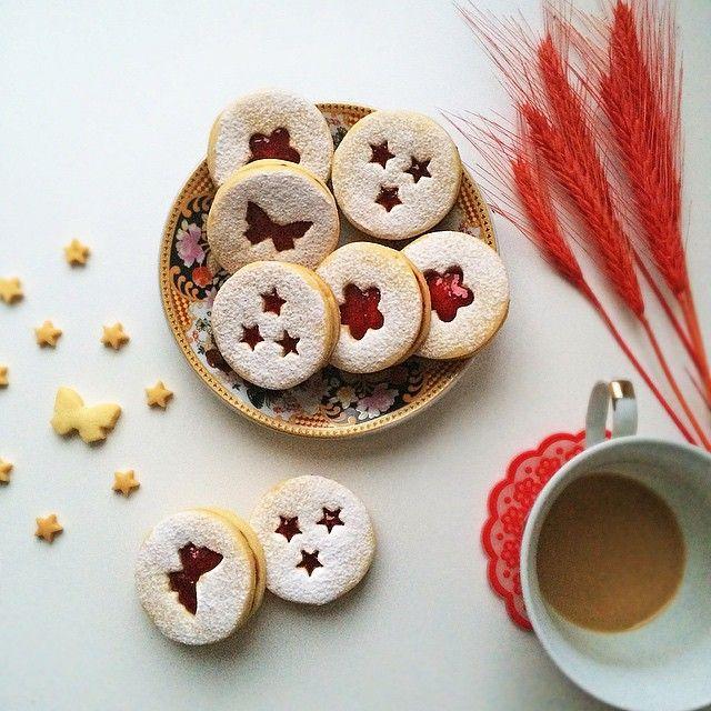 #cookies #coffee #raspberry #jam #iphoneonly #food #foodpics #foodporn #печенье #малина #джем #кофе