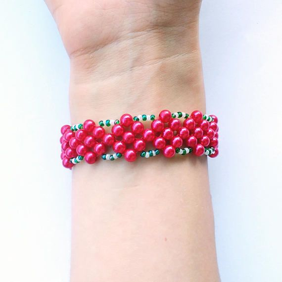 Check out this item in my Etsy shop https://www.etsy.com/listing/546583734/christmas-bead-bracelet-tween-girl-size