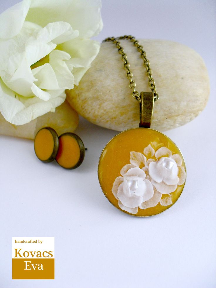 Orange necklace with white flower.Flowered necklace.Autumn jewelry.Mustard pendant.