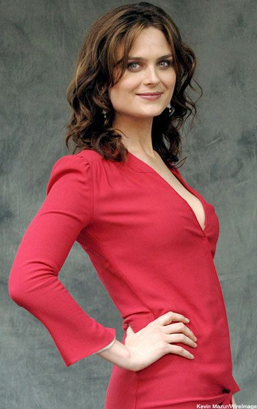 Emily Deschanel | Bones photo