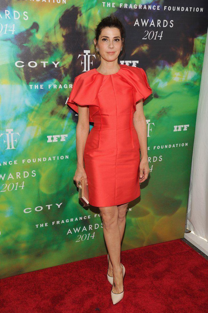 Pin for Later: Diese Woche dreht sich alles um den Ausschnitt Marisa Tomei Marisa Tomei in Casadei-Absatzschuhen bei den Fragrance Foundation Awards.