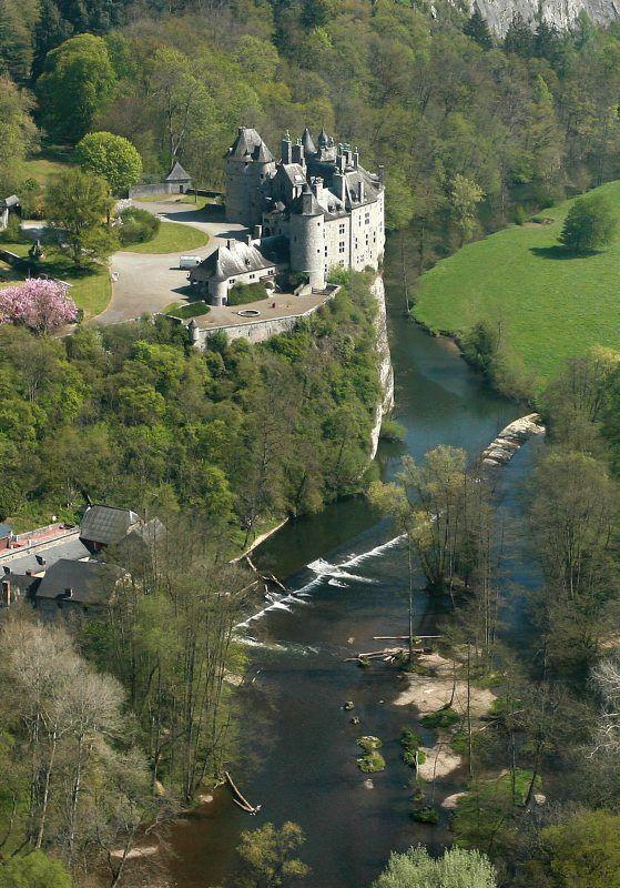 Chateau de Walzin above Leese river, Belgium (via Bruno-Paparazzi).