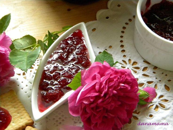 Dulceata de trandafiri - Prajiturici si altele | Blog culinar