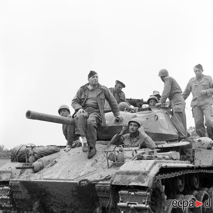 ECPAD | La bataille de Na San dans les archives photographiques de l'ECPAD. Pin by Paolo Marzioli