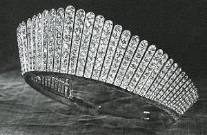 joyaux de la couronne britannique  Queen Alexandra's Kokoshnik Tiara