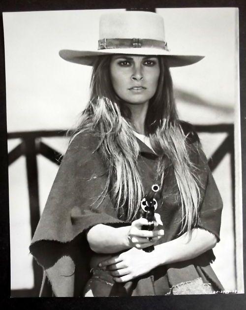 Raquel Welch As Hannie Caulder