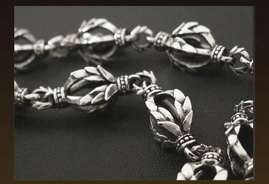 Rakuten: [free shipping!] 925 wallet chain ★ silver ★ silver wallet chain ★ flare ★ lily crests- Shopping Japanese products from Japan