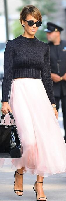 Who made Jessica Alba's gray sweater, black ankle sandals, pink skirt, and black sunglasses that she wore in New York? - OutfitID