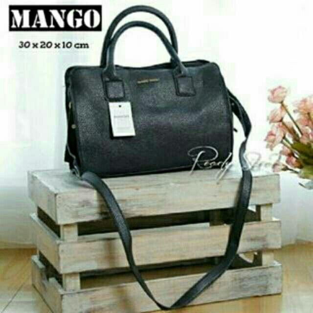 Saya menjual Mango 224 Black seharga Rp325.000. Dapatkan produk ini hanya di Shopee! {{product_link}} #ShopeeID