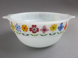 60's 70's Vintage Retro Pyrex Glass Bowl Phoenix Ware Flowers Pattern