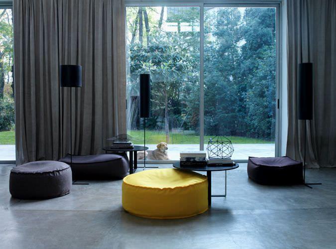 Ottomano moderno / in tessuto / da interno / di Studio Lievore Altherr Molina - ZOE - Verzelloni