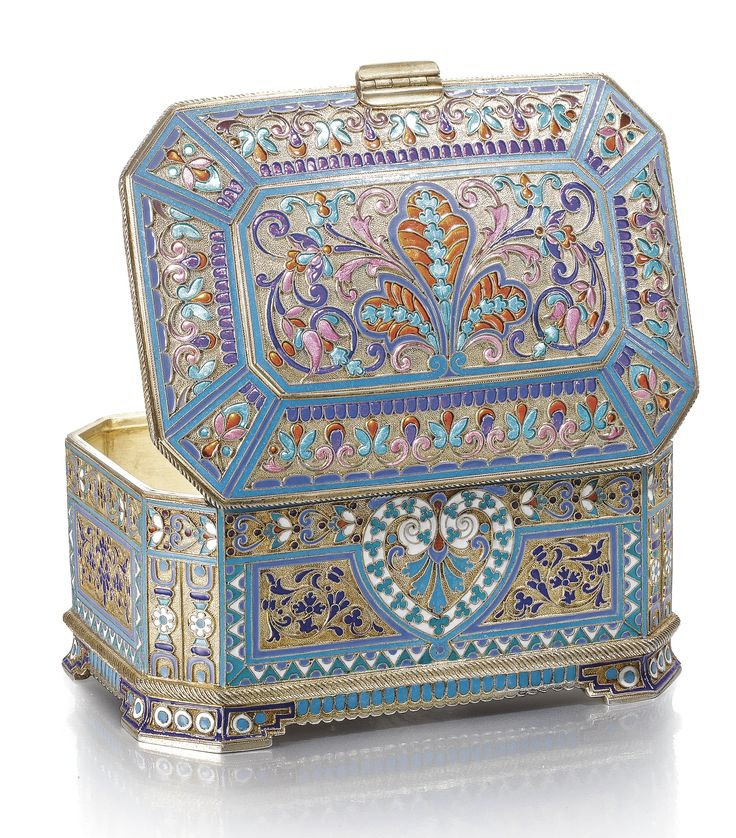 silver-gilt and enamel casket, Antip Kuzmichev, Moscow, 1891 width: 11.7cm, 4 1/2 in. Estimate 10,000 — 15,000 GBP