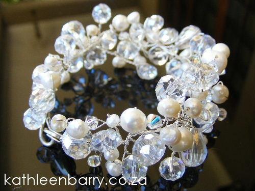 Crystal and pearl bracelet #brides #jewellery #pearls