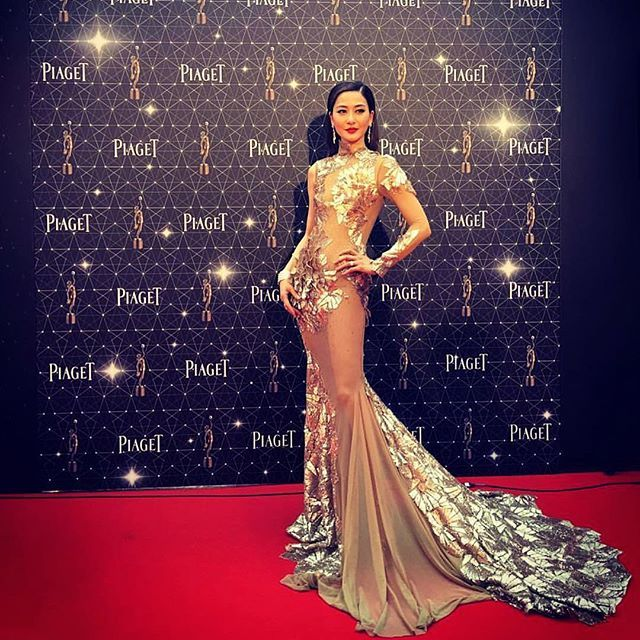 "The 35th #HongKong film awards  @kathychow520 beautiful ""3D"" gown.  Dress info email Stephanie@StelloOfficial.com  www.StelloOfficial.com  #stello #fashion #hkfa #piaget"