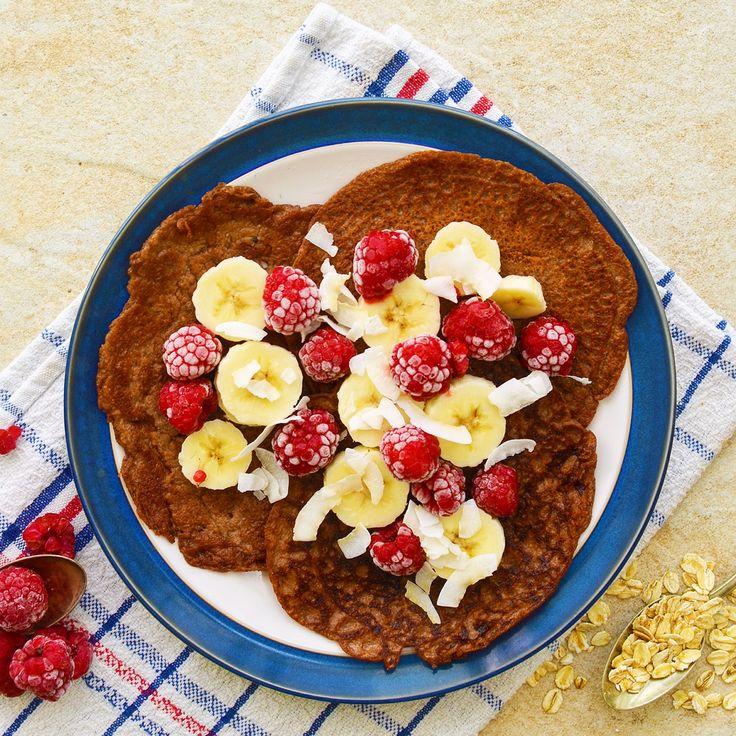 Chokladpannkakor! Veganska, glutenfria och sockerfria. Receptet finns i meny 24. 😊💙  www.allaater.se
